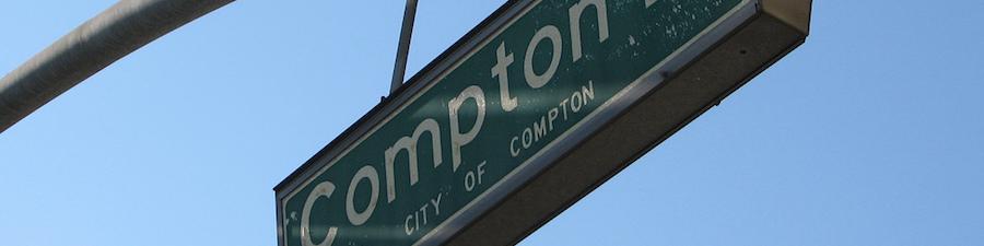 L.A COMPTON BLVDの道路標識